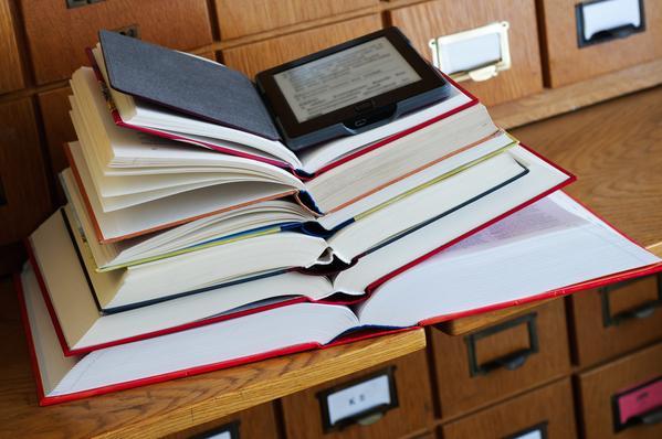 livre papier et ebook generique