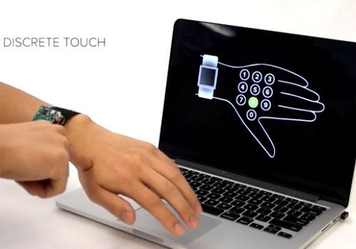 Smartwatch peau se transforme en écran tactile