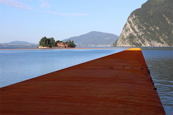 Christo-pont-flottant-02