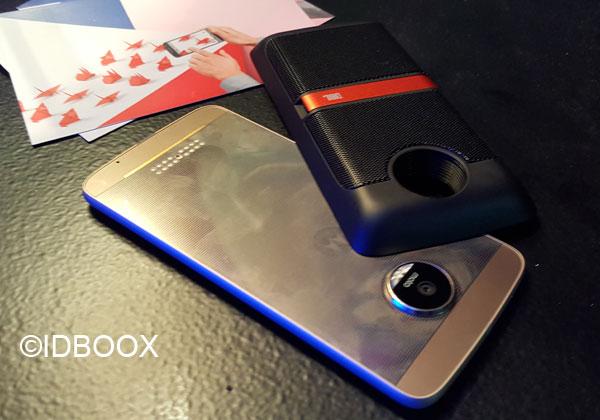 Lenovo Moto Z avec un MotoMods Tango
