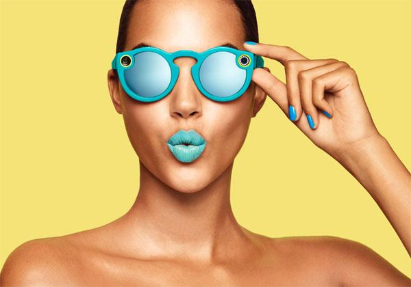 Snapchat lance des lunettes avec des caméras