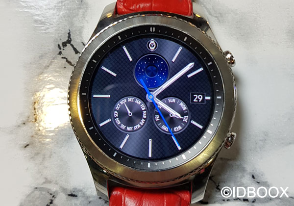 gear s3 tour d 39 horizon de la montre connect e samsung vid o idboox. Black Bedroom Furniture Sets. Home Design Ideas