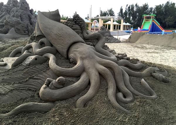 Japon sculptures en sable géantes