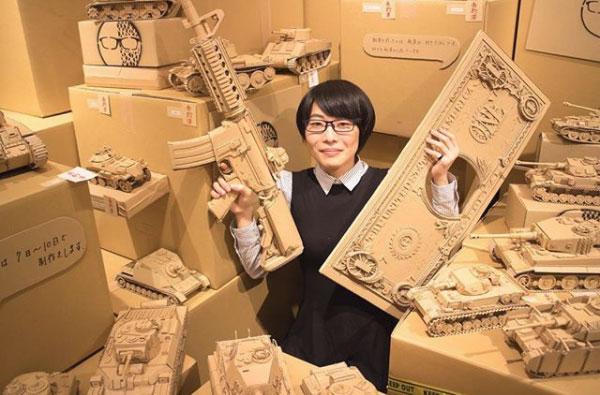 Japon des sculptures en carton réalistes