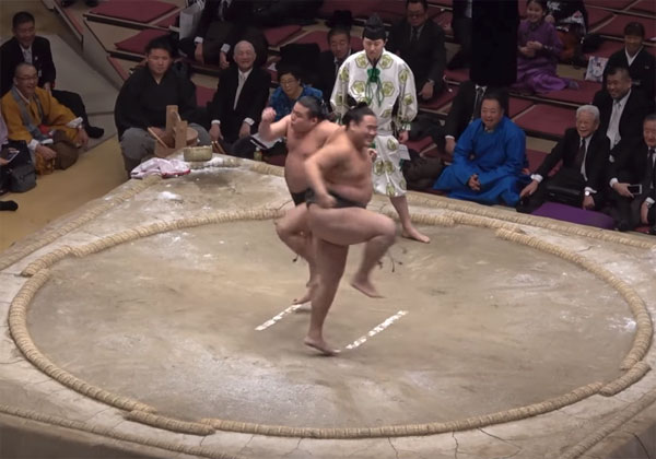 Japon Sumo spectacle Shokkiri
