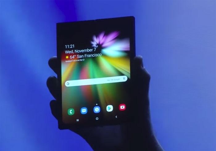 Samsung Galaxy F l'écran pliable dans un concept 3D
