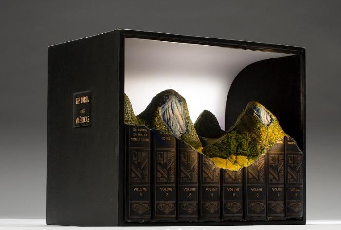 Guy Laramée sculptures livres