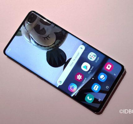 Samsung Galaxy S10 les fonds d'écran pour masquer le trou