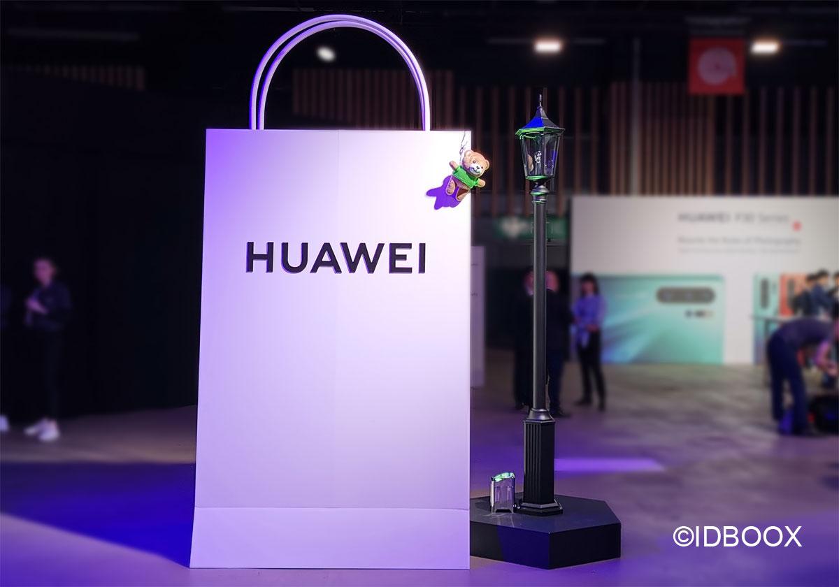 Huawei le brevet d'une smartphone à clapet avec écran pliable