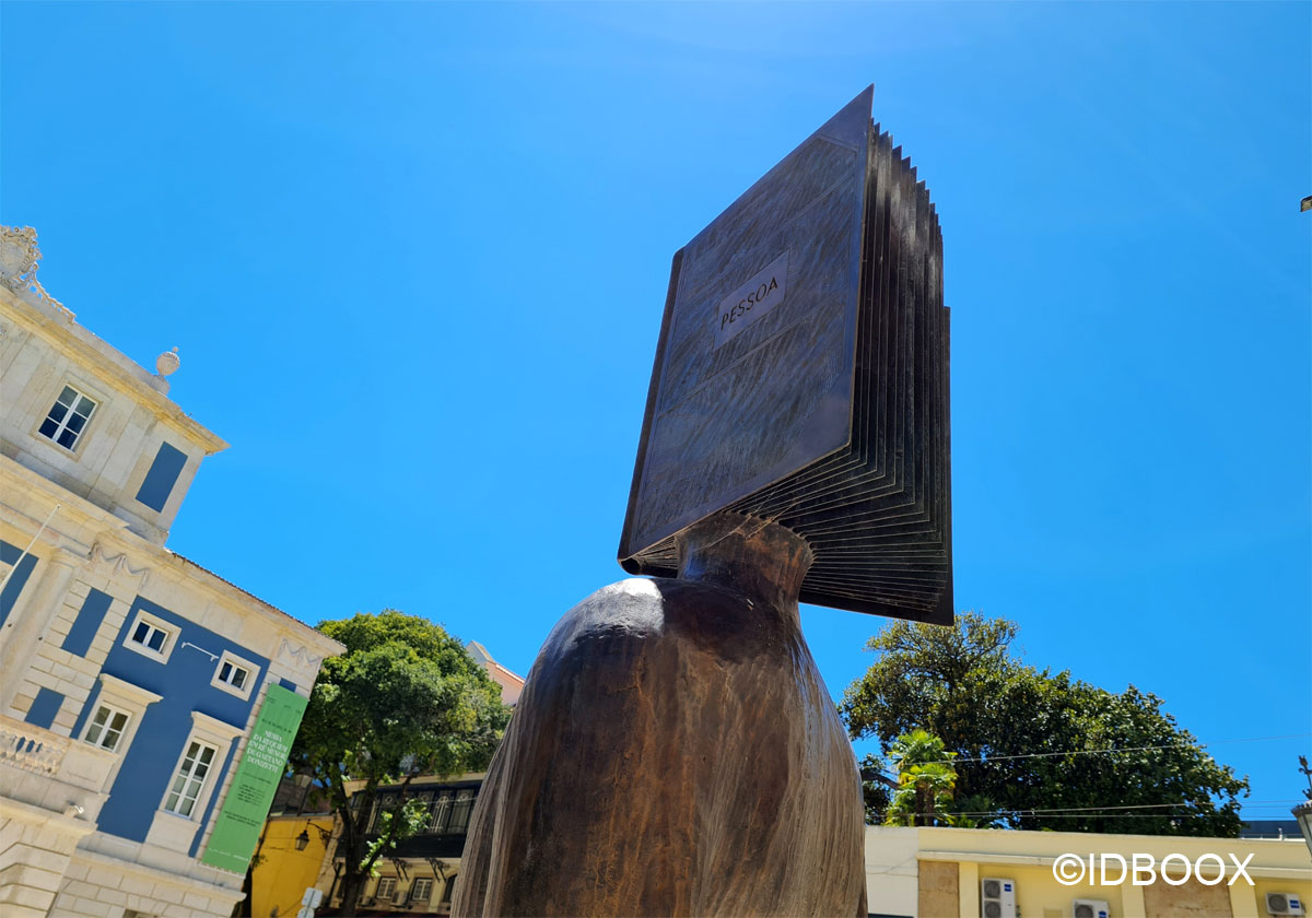 sculpture fernando Pessoa Foulon