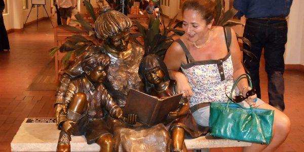 tour-du-monde-sculptures-livres